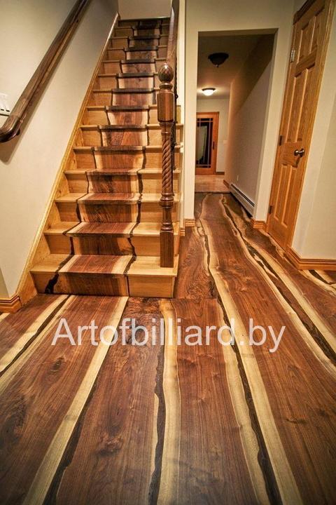 Лестница из натурального дерева на второй этаж